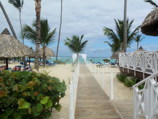 Luxury Bahia Principe Ambar Blue Don Pablo Collection: Entrance to beach area