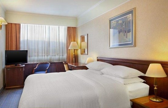 Panorama Zagreb Hotel : Classic Queen Room