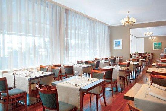 Panorama Zagreb Hotel: Restaurant Sestine