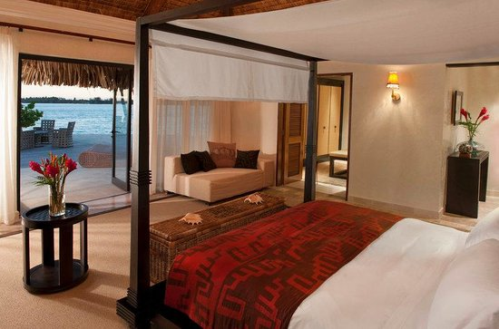 The St. Regis Bora Bora Resort : Royal Estate Master Bedroom