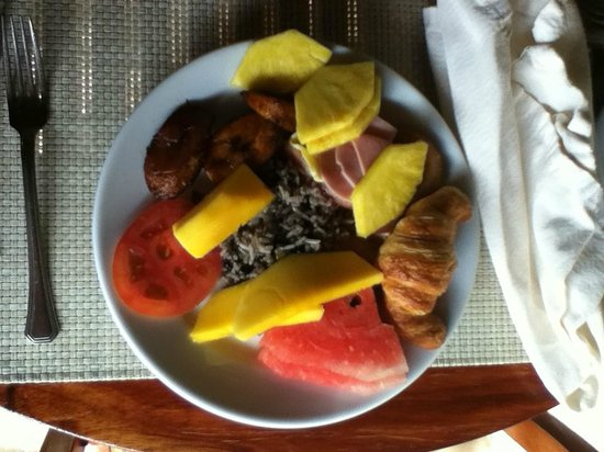 Tango Mar Beachfront Boutique Hotel & Villas: breakfast