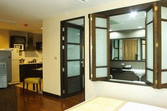 Royal Suite Residences: Guest room 1