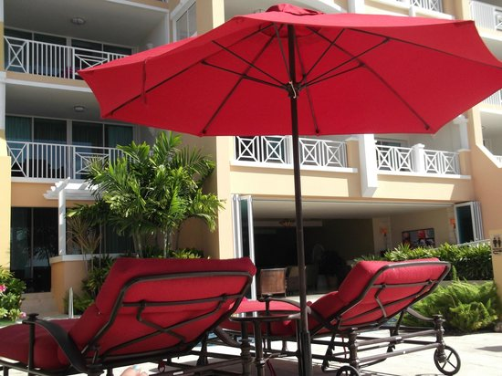 Ocean Two Resort & Residences: Pool Area