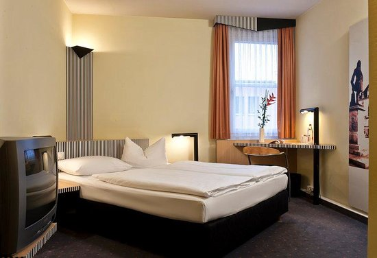 TRYP by Wyndham Halle: Guest Room