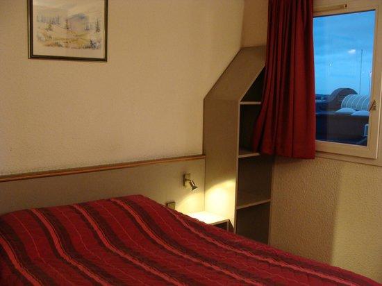Hotel Residence du Golf : vers fenêtre