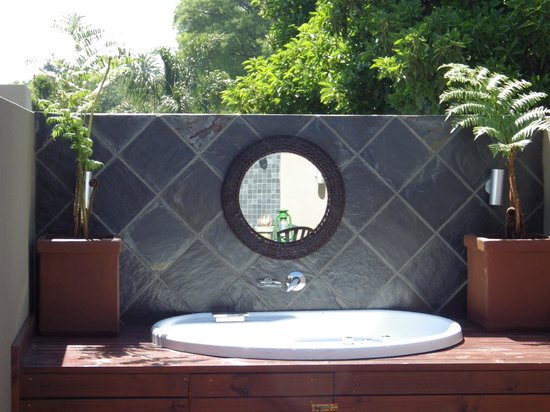 The Residence Boutique Hotel: Penthouse outdoor bath