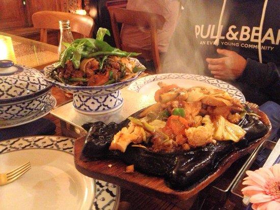 Holanda del Sur, Países Bajos: Steaming Thai food!