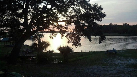 Nautical Point RV Park & Rentals : BayView