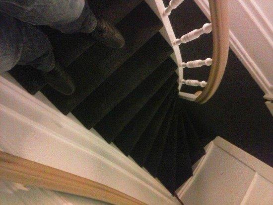Max Brown Hotel Canal District: Stufen zum Zimmer/Escalier
