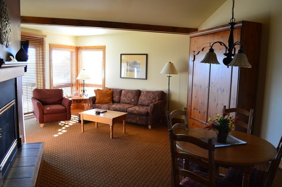 Worldmark Galena : Living Room with Murphy bed
