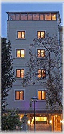Aldem Hotel : Exterior