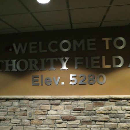 Sports Authority Field at Mile High : inside the stadium club level