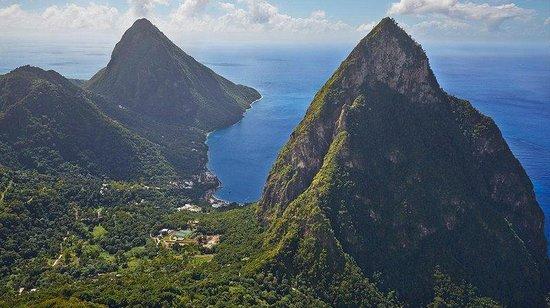 Sugar Beach, A Viceroy Resort : Aerial of Resort