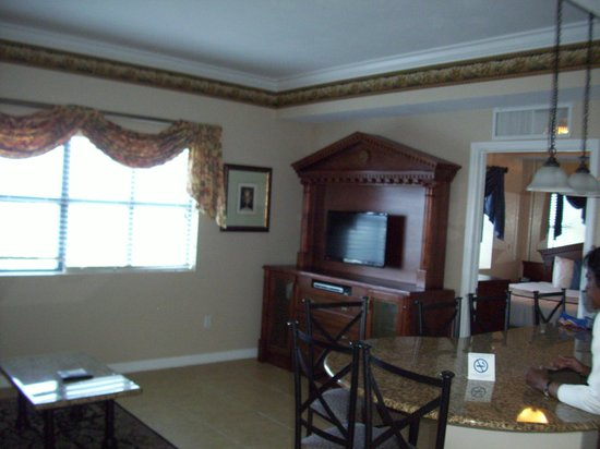 Westgate Palace Resort: Living room