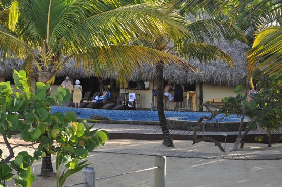 Kanantik Reef & Jungle Resort: From beach looking at pool and pool bar