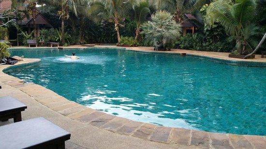 Laluna Hotel and Resort: Swimming pool
