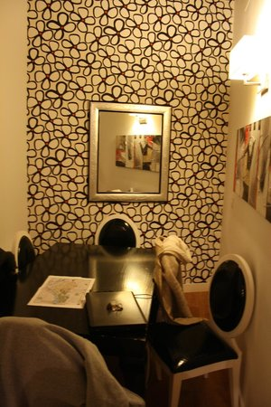 Castellar Singular Apartments: Comedor