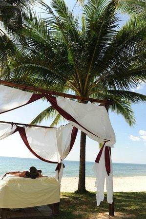 Chen Sea Resort & Spa Phu Quoc : Spa am Beach