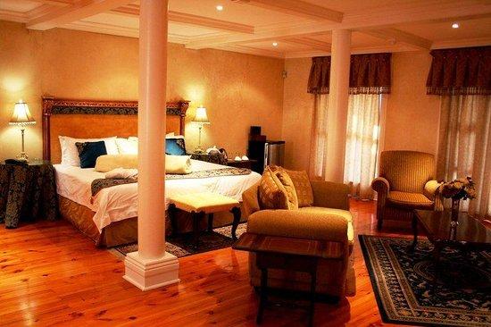 Cricklewood Manor: Guest Room