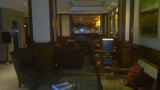 Rose by Molton Hotels: sobria decoracion, cordialidad en la recepcion