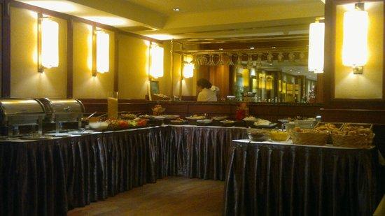 Rose by Molton Hotels : variado y correcto desayuno