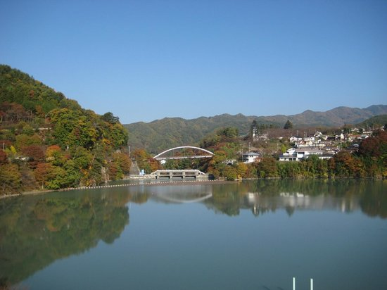 Takato Sakura Hotel : 高遠ダム湖(実際はもっときれいです)