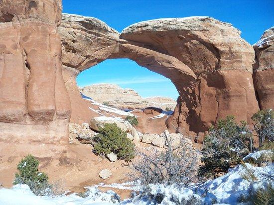 Motel 6 Moab: Broken Arch