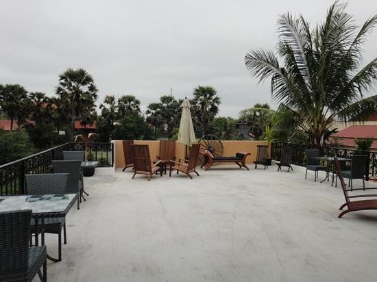 The Rose Apple: Rooftop area
