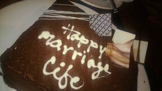Vivanta by Taj Begumpet: cake