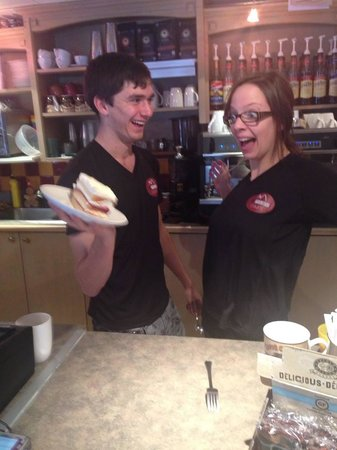 Tod Mountain Cafe: Glee at the new white chocolate and raspberry cake