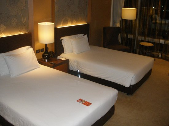 Eastin Grand Hotel Sathorn: Twin room