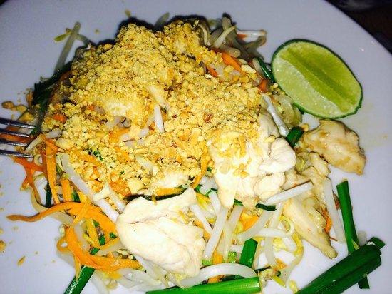 TUK TUK : Thai Street Food : Pad thai
