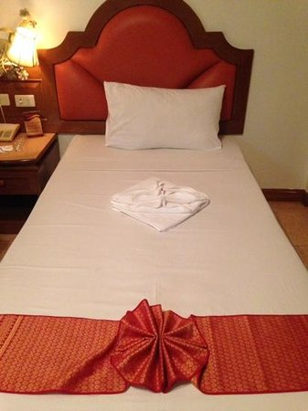 Manohra Cozy Resort: single beds-double room