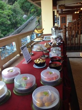 Manohra Cozy Resort: breakfast buffet