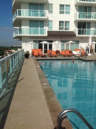 Sonesta Coconut Grove Miami: Sonesta poolside