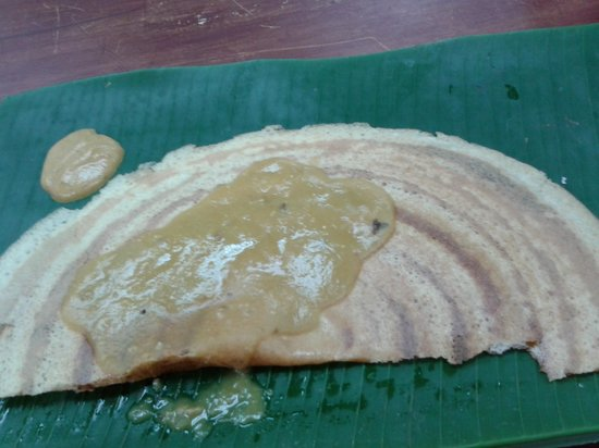 Wana Riverside Hotel: Thosai(Crispy pancake) @ Vzahai Eatery(Unit No. 36A)  .same side at Main Hotel Entrance