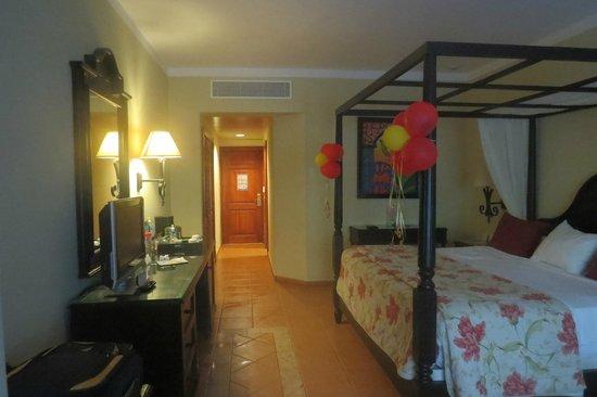 Luxury Bahia Principe Ambar Don Pablo Collection : Room