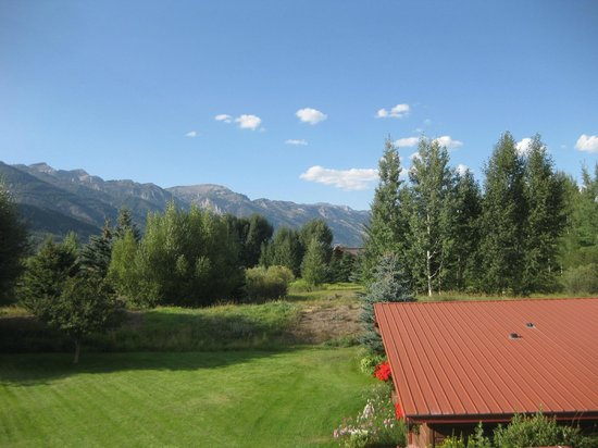 Teton View Bed & Breakfast: Teton Range