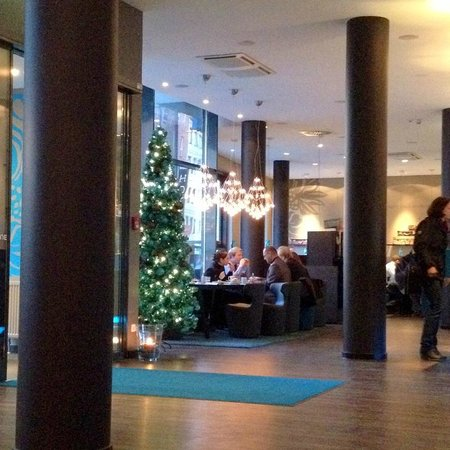 Motel One Nuernberg-City: View from the lounge