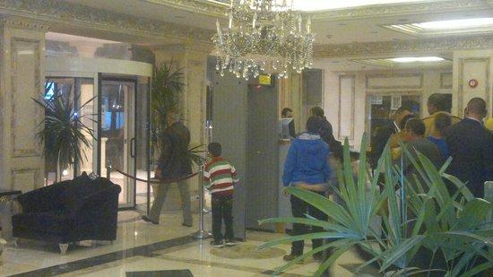 Barcelo Cairo Pyramids : la entrada
