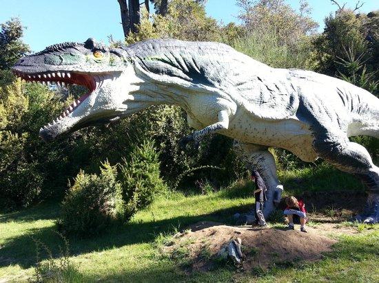 Parque Nahuelito: El Carnivoro mas grande del mundo en escala real, Impactante!!