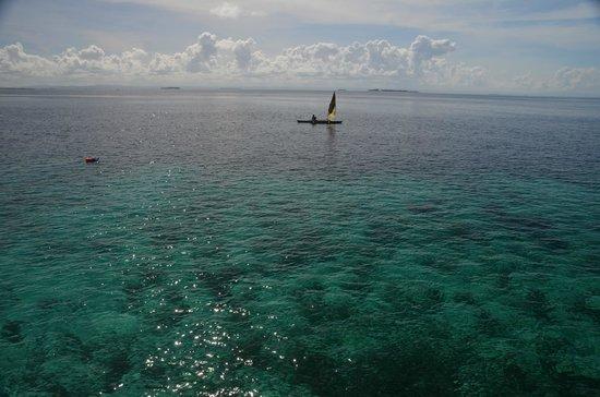 Pacific Cebu Resort: 晴れていれば、桟橋からの眺めはたいへん良い。