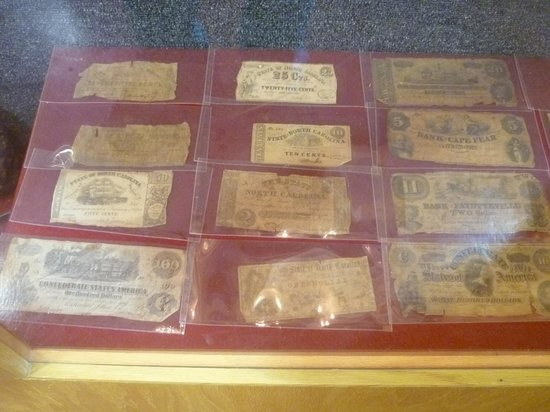 New Bern Fireman's Museum : Confederate currency on dispaly