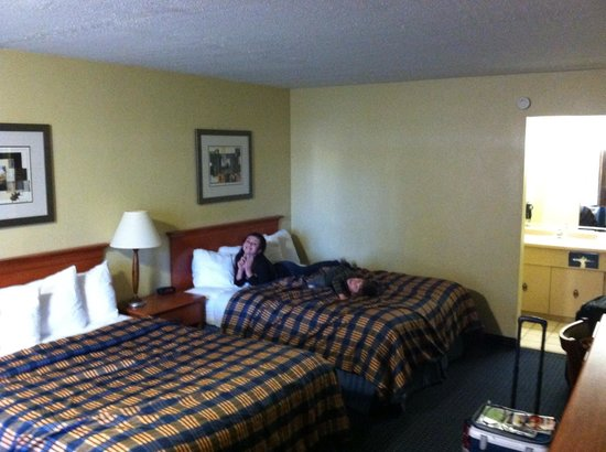 Best Western Toni Inn : Room clean. Beds decent.