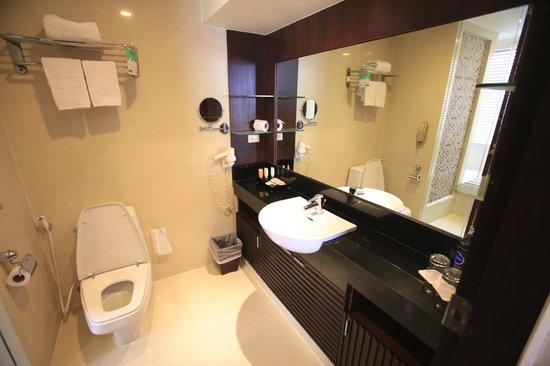 Grand Sukhumvit Hotel Bangkok: La salle de bains