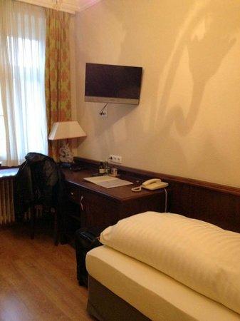 Atel Hotel Lasserhof: Room