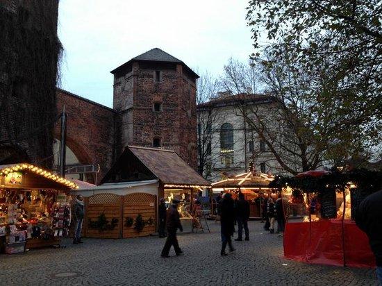 Motel One Muenchen-Sendl. Tor: Christmas Market at Sendlinger Tor