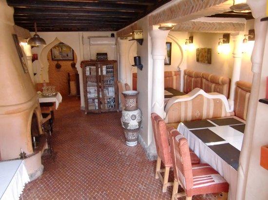 Hotel Hicham: リアド内のレストラン。美味しいですよ。