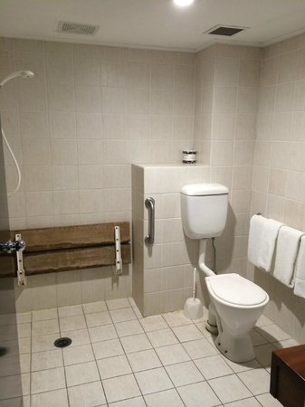 Brisbane International - Windsor: Bathroom