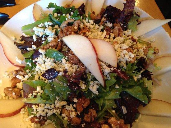 Picazzo's Organic Italian Kitchen: Pear Gorgonzola Salad
